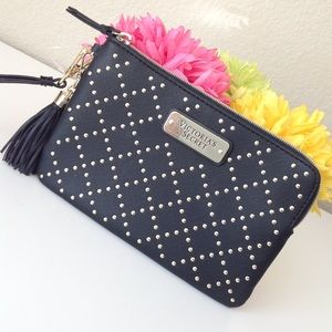 VS wristlet new without tags